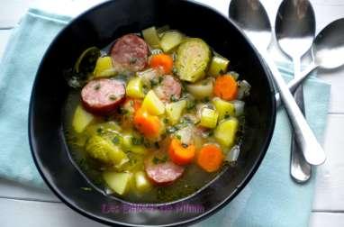 Soupe paysanne aux saucisses de Montbéliard