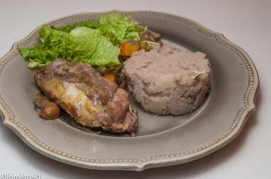Pintade aux légumes, purée de pommes de terre et châtaignes