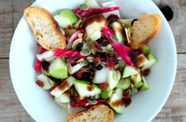 Salade d'endives, betteraves chioggia, pommes Granny Smith