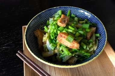 Wok végétarien de chou et tofu frit japonais