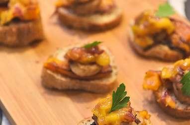 Bruschetta de boudin blanc, chutney mangue et potimarron rôti