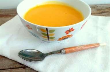 Soupe d'hiver poireaux, pommes de terre, carottes, panais