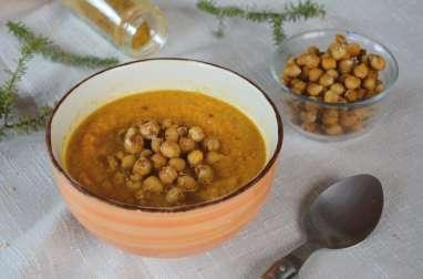 Soupe de carottes aux épices et pois chiches rôtis