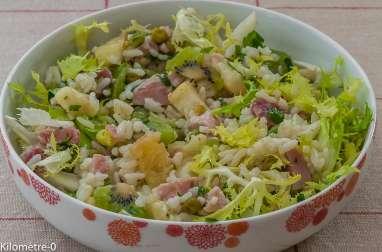 Salade de riz au jambon, kiwi, ananas et petits pois