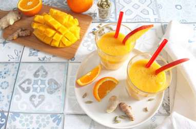 Smoothie énergisant : mangue, orange, cardamome, gingembre, curcuma et baobab
