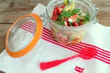 Salade fraises - avocats - chèvre frais