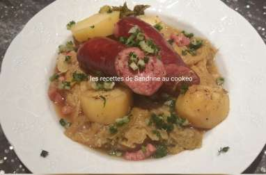Saucisses fumées au chou vert et pommes de terre au cookeo