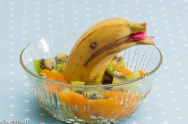 Salade de kiwis, mangue et banane dauphin