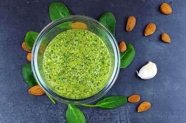 Pesto d'hiver aux pousses d'épinards, amandes et huile de noisette