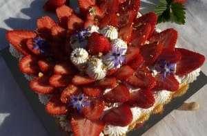 Tarte fraise pistache et fleur d'oranger