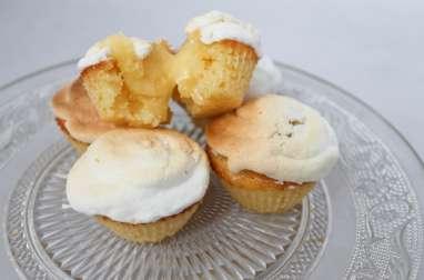 Cupcakes meringués, fourrés au citron