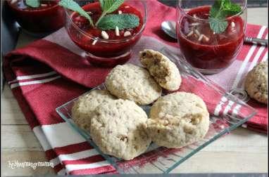 Sablés à l'amande, au quinoa, au poivre timut et à la rose, compotée de fraises au citron et au poivre timut