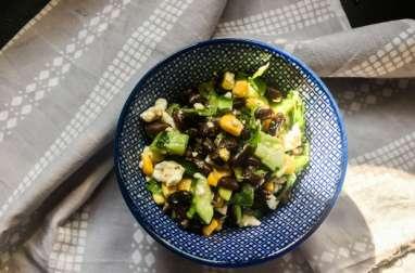 Salade américaine haricots noirs, concombre et feta