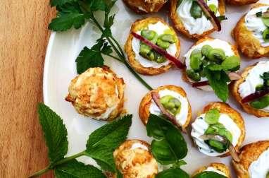 Choux à la chantilly de féta et salade de fèves