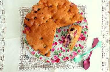Gâteau aux fraises et aux myrtilles