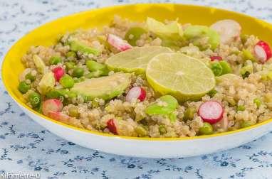 Salade de quinoa, avocat et légumes printaniers