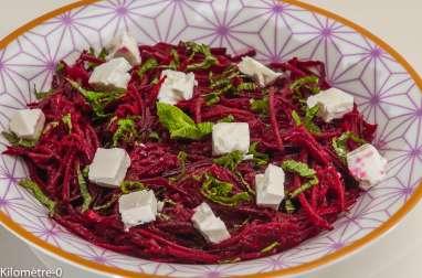 Salade de betteraves crues à la fêta et à la menthe