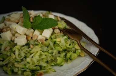 Salade de choucroute crue, courgette, munster blanc et menthe