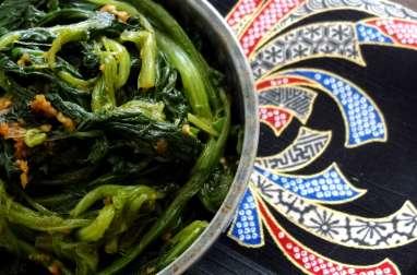 Salade d'épinards chinois