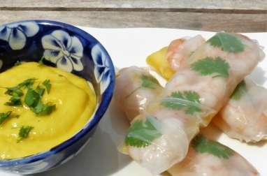 Rouleaux de printemps crevette mangue, sauce à la mangue