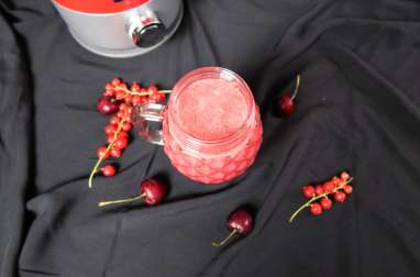 Smoothie pomme fruits rouges