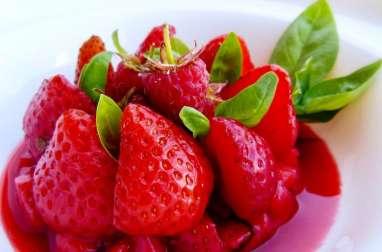 Tartare de fraises framboises et son red coulis