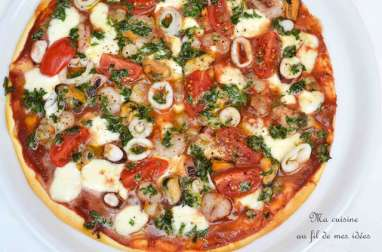 Pizza aux fruits de mer et pesto de persil-parmesan-citron