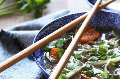 Soupe Phô au boeuf et coriandre