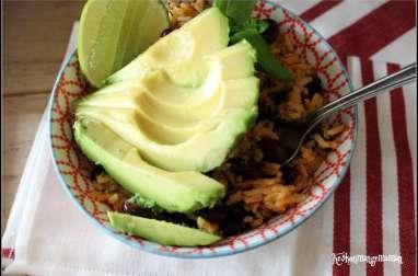 Riz aux haricots rouges avocado bowl