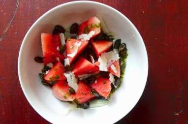 Salade de pastèque, ricotta salée et basilic
