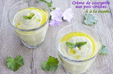 Crème de courgette aux pois-chiches et à la menthe