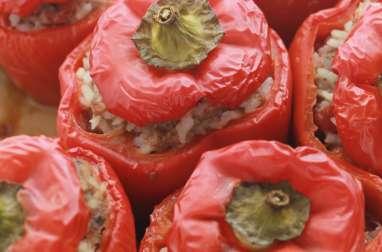 Poivrons rouges farcis au boeuf et au riz