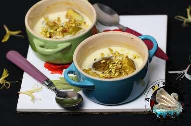 Figues à la crème, miel et pistaches
