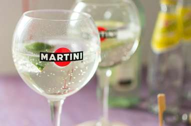 Cocktail Martini Tonic et sablés au parmesan