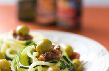 Spaghettis de courgettes aux olives