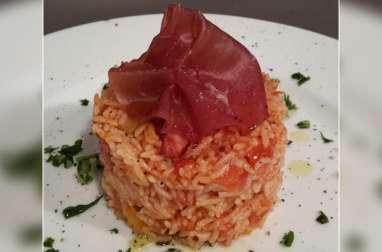 Riz à la tomate, poivrons et lardons