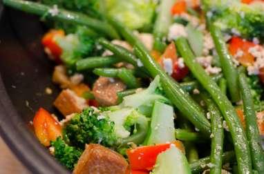 Sauté de tofu au brocoli et aux haricots verts