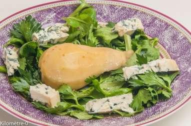 Salade de céleri et mâche à la poire et la fourme d'Ambert