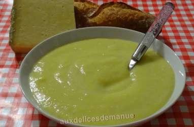 Soupe poireaux et pommes de terre au Cantal entre deux