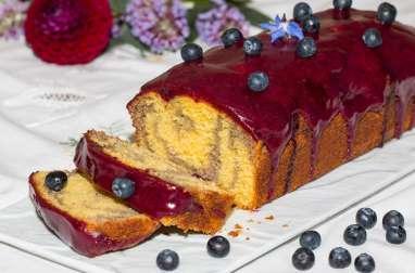 Cake marbré aux myrtilles, glaçage aux myrtilles