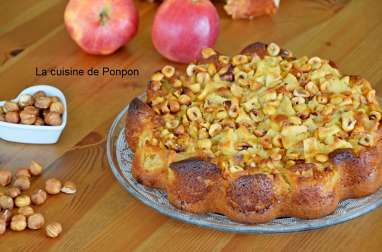 Gâteau aux pommes et noisettes