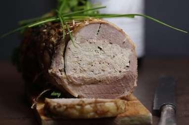 Oie désossée farcie au foie gras
