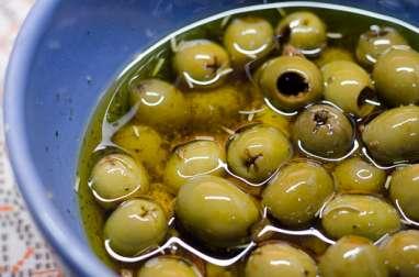 Olives vertes marinées aux herbes de Provence