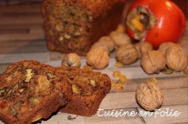 Cake aux kakis, noix et raisins