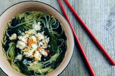 Soupe un peu chinoise au crabe et à l'épinard