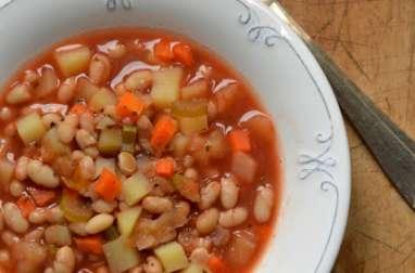Soupe de haricots et pommes de terre