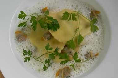 Ravioles ricotta épinards, jus de coques