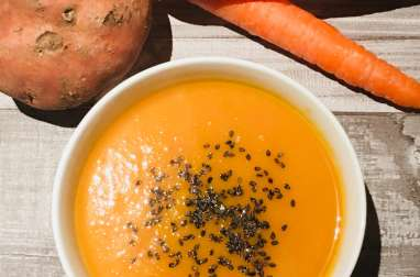 Velouté de carottes et patates douces au sésame noir