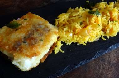 Riz oriental et poisson frit