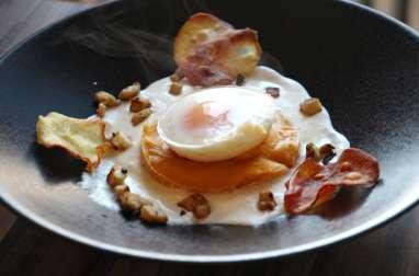 Oeuf mollet, purée de patates douces , crème d'Ossau Irraty et petits artichauts grillés, chips de patate douce